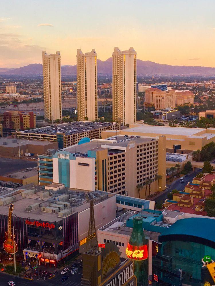 Sunsets Las Vegas New York Resort WhereGalsWander