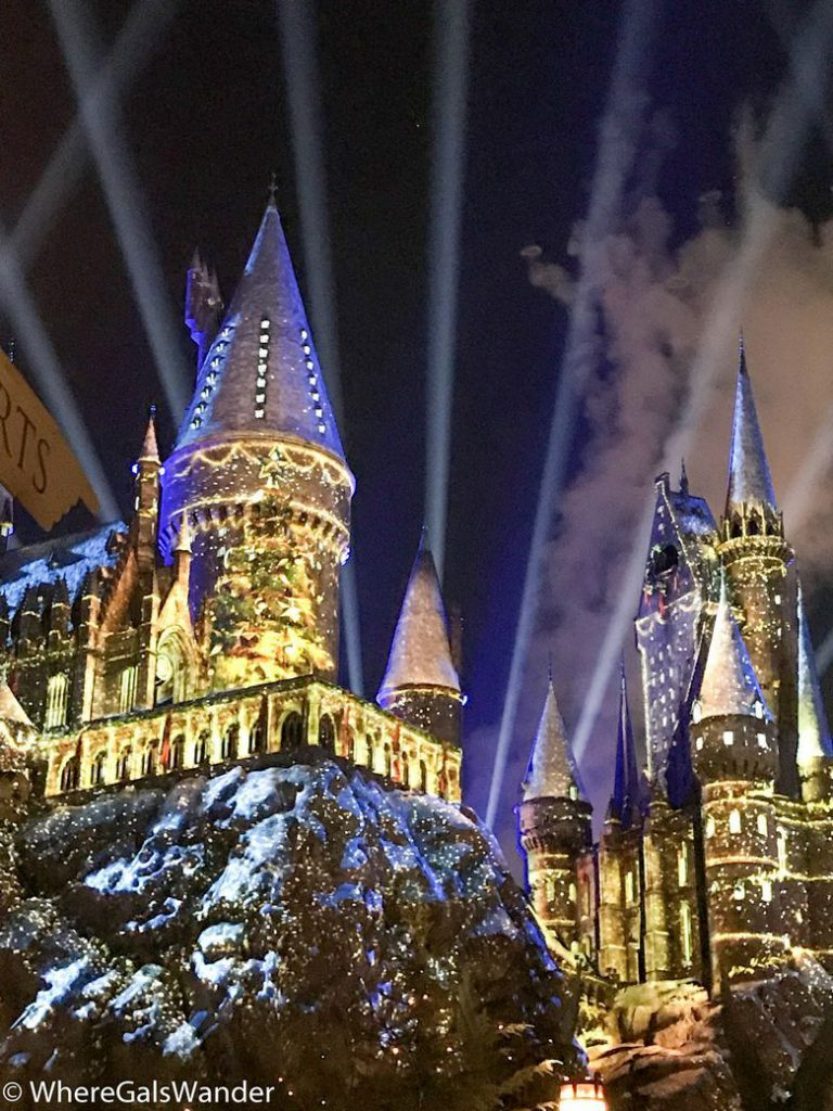 Hogwarts Christmas Light Show at Universal Studios Hollywood